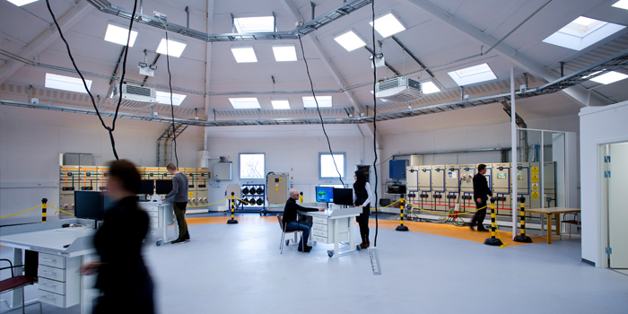 DTU researchers are testing the integration of renewable energy in the test laboratory on DTU Risø Campus. Photo: Torben Nielsen.